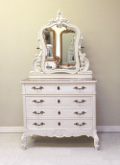 french antque dest of drawers / dressing table